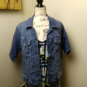 Torrid short sleeve collared denim jacket med wash